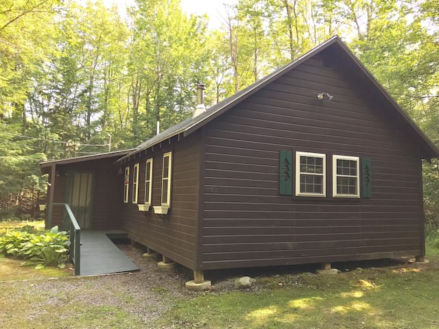 Cabin Getaway on Great (Golden) Pond!