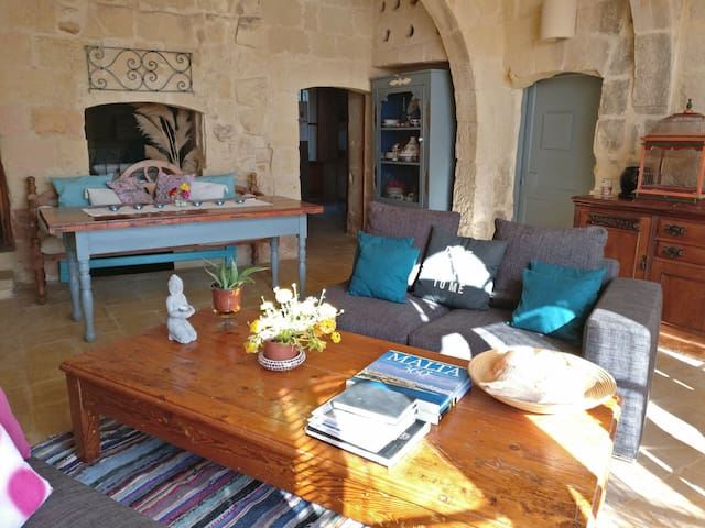 Gozo Farmhouse.. Serenity, Now!  :) WiFi