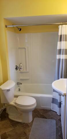 Bath Room (2nd FLR) - Full