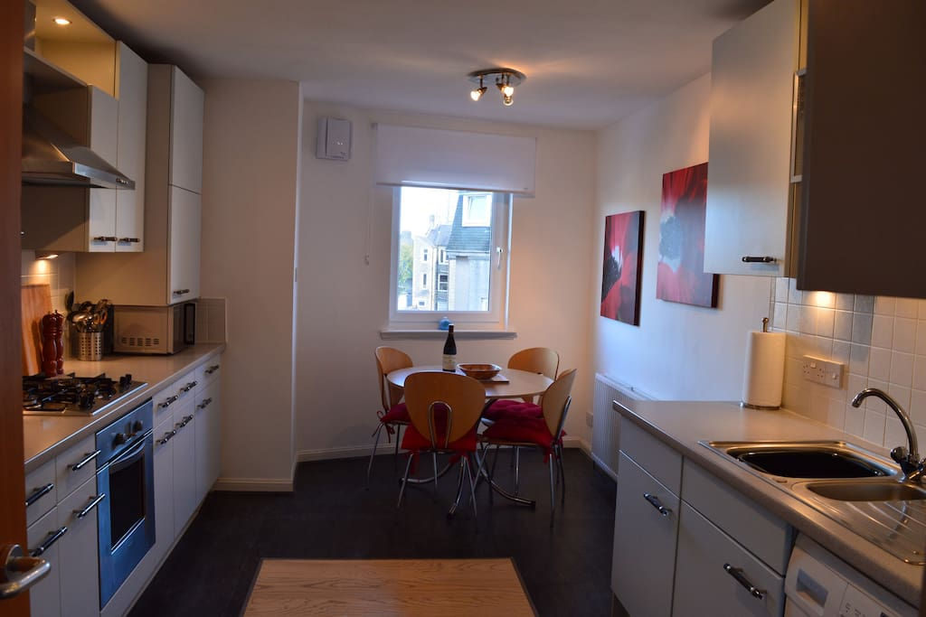 Well equipped Kitchen with sizeable dining area