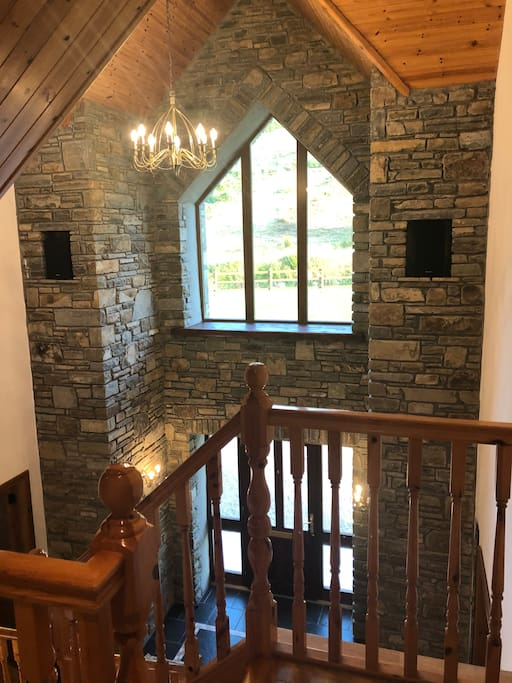 1st floor view of entrance hall