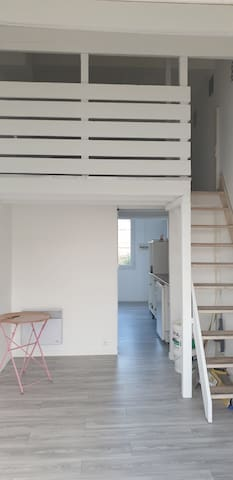 Studio meublé avec mezzanine