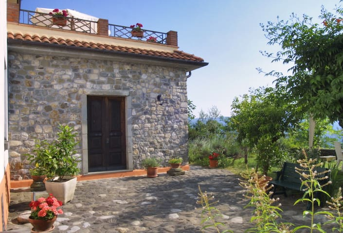 Hilltop village house in North Tuscany & 5Terre