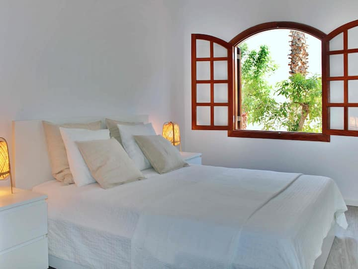 Playa Honda Home, two minutes walk from the beach