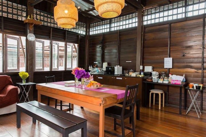 Rachanatda Bangkok Homestel for 6 person