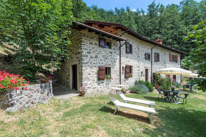 Villa il Gufo - The farmhouse with private pool