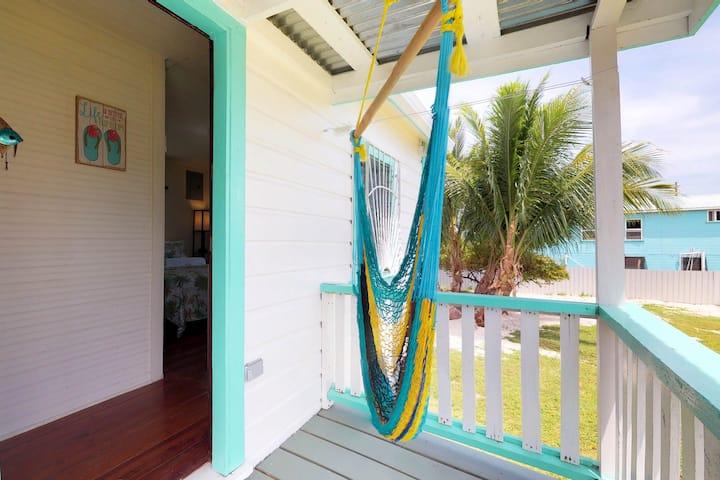Colorful studio cabana w/ WiFi, partial AC, yard & picnic area - walk to town!