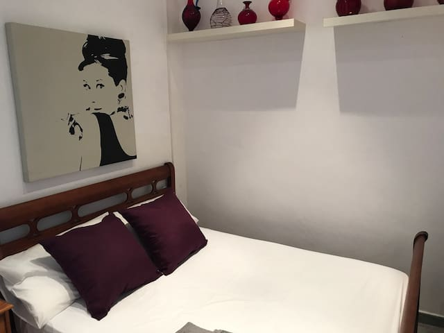 Double room with air conditioning hot and cold
