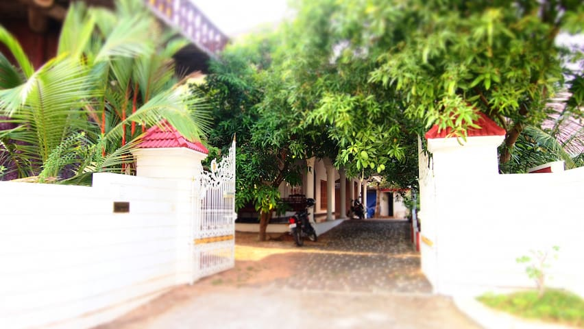 Homestay B&B - A/C Double Bed - Kochi - Huis