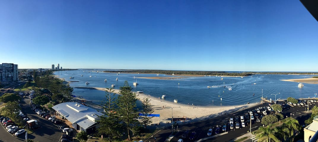 Stunning 9th floor views of the Broadwater