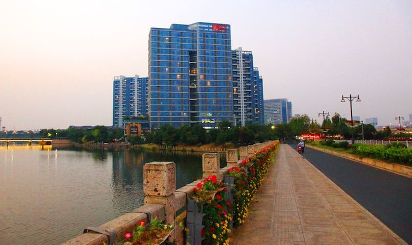 One big beach city of shaoxing, - Shaoxing Shi - Apartment