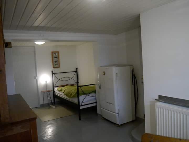 Chambre avec WC et douche