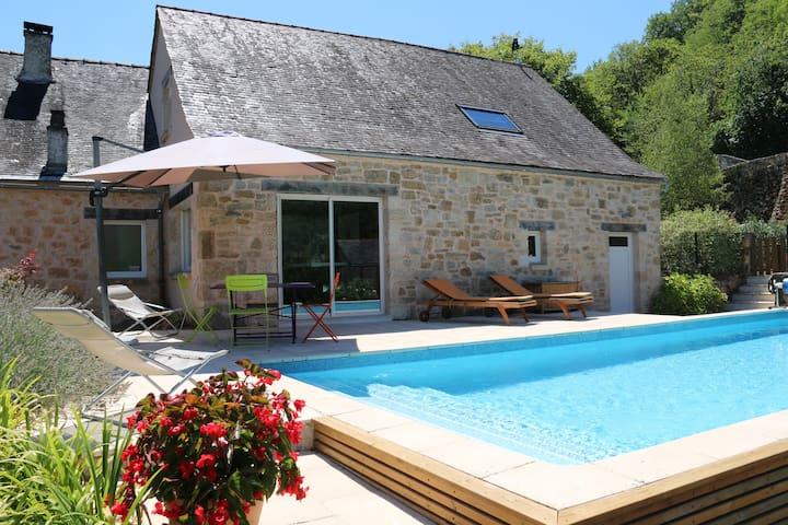 """Maison avec piscine privée : """"Gîte du Sorpt"""""""