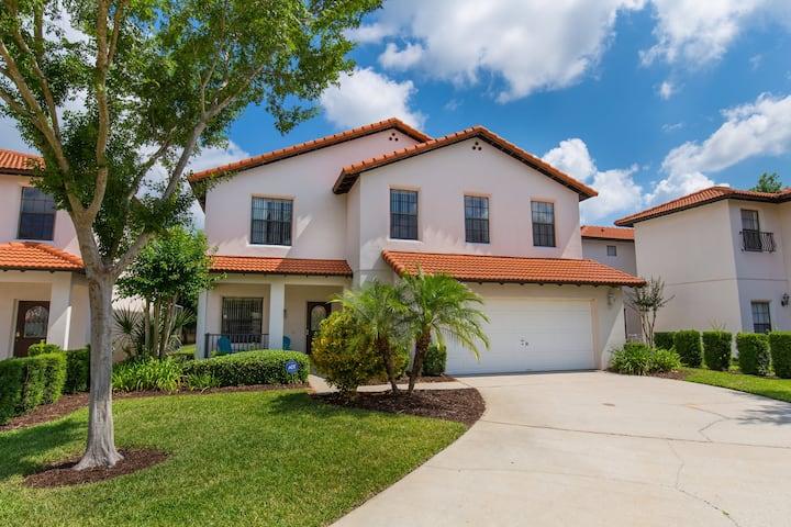 Affordable Luxury 4 Br Villa Near Disney Florida!