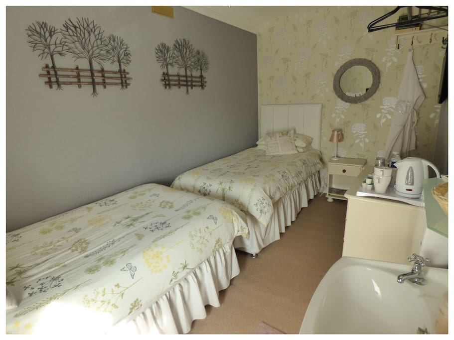 With wash facilities in your room  AND your own Private bathroom - this is an ideal room for friends or family.