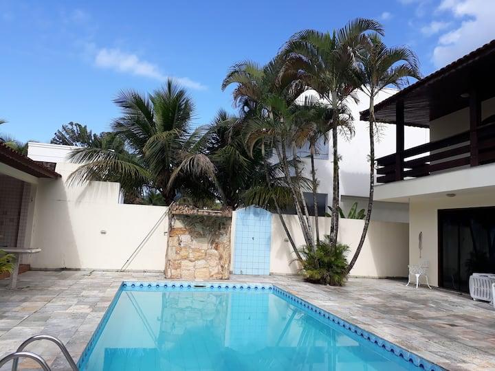 Casa em Condomínio Jardim Acapulco- Guarujá.