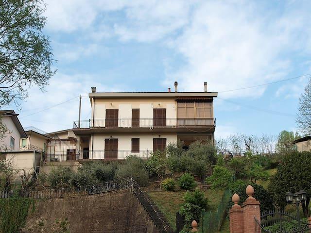 Casa vacanze nel verde - Filattiera - House