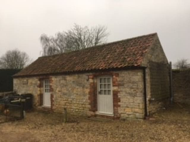 Beautiful Stone Annex in Leicestershire village.