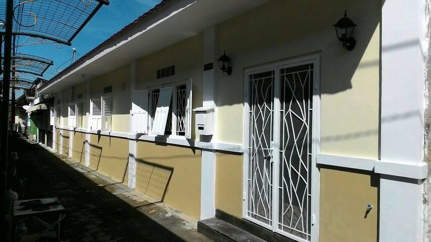 Omah Ngadiwinatan - all 6 rooms for 12 pax
