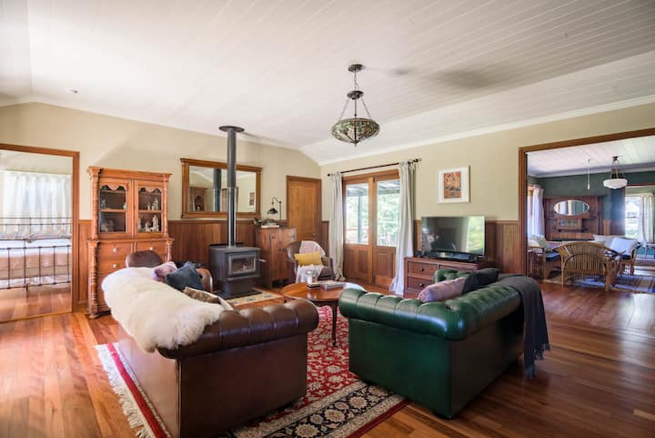 Rivendell - 4 Bedroom Home in Wentworth Falls