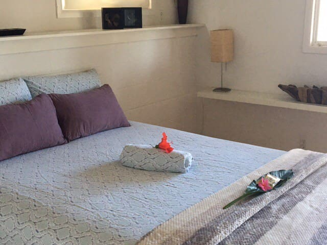 Fresh Hawaiian Flowers will be waiting for you on your bed