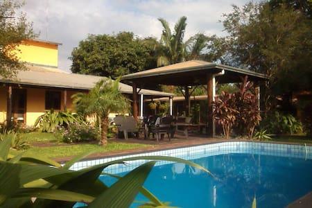 Los Tangueros B&B Puerto Iguazu - Puerto Iguazú - Bed & Breakfast