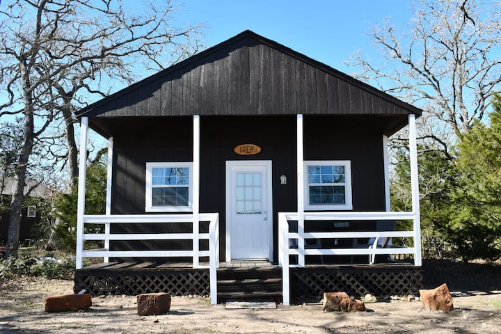 LakeView Cabin on 40 Acre Ranch near Round Top TX
