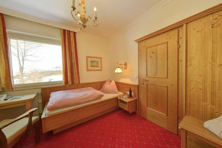 1-Bett-Zimmer im Glocknerhof
