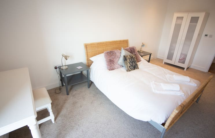 Corporate Travellers Dream - 1 Bedroom Apartment