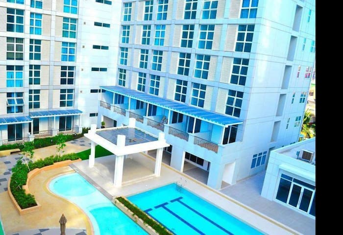 Studio with WIFI and Cable TV - Makati - Apartemen