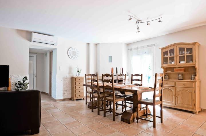 Charmant appartement  80 m2  2 Chambres Ceret 66