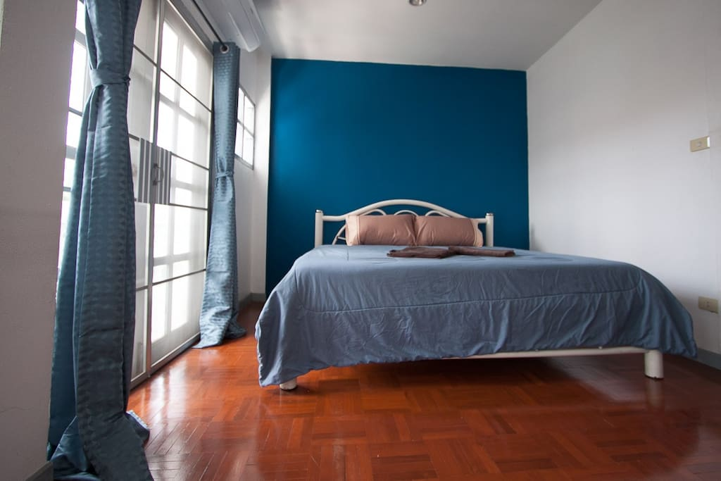 Private 3rd floor bedroom with air conditioner