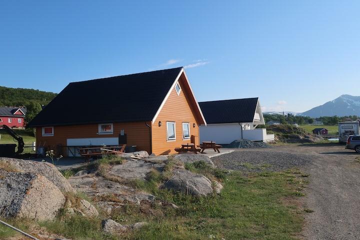 BjarkøyBryggeVilla in the heart of Northern Norway
