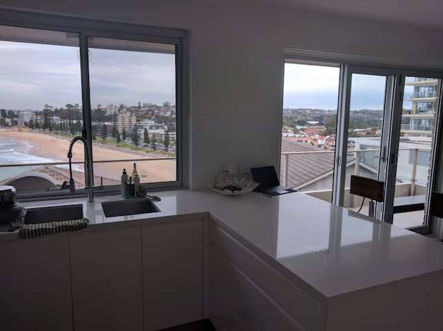 180 Degree views of Manly Beach in stylish apart - Queenscliff - Apartment