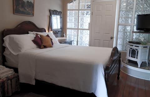 Port Albert Inn. Built in 1842! - Queen Room #3 with gas stove at the Historic Port Albert Inn in beautiful Port Albert, Ontario!