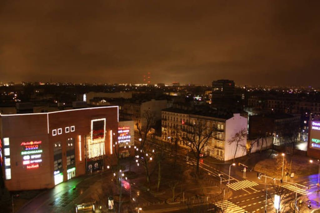 Excellent location to enjoy the best of Lodz. Shopping center is just a cross the street