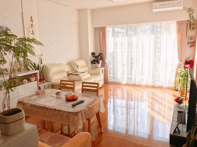 Namba OCAT, Living with Ms Michiko, Ladies only - 大阪市 - Apartment