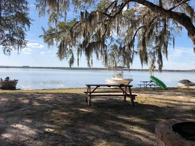 Lake Kerr Rentals LLC