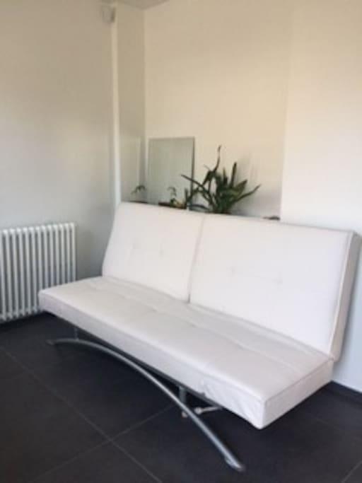 chambre ind pendante suites parentales ou similaires louer rillieux la pape auvergne. Black Bedroom Furniture Sets. Home Design Ideas