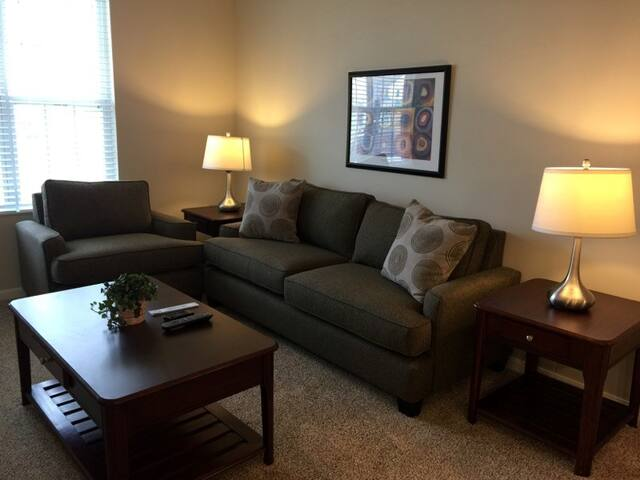 Brand New Apartment near Easton Towne Center! - Gahanna - Appartement