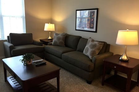 Brand New Apartment near Easton Towne Center! - Gahanna - Apartamento