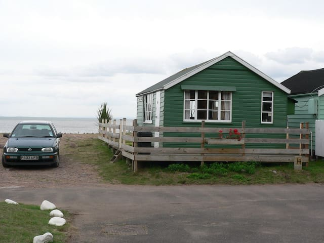 Beach chalet to rent, sleeps 5. - . - 牧人小屋