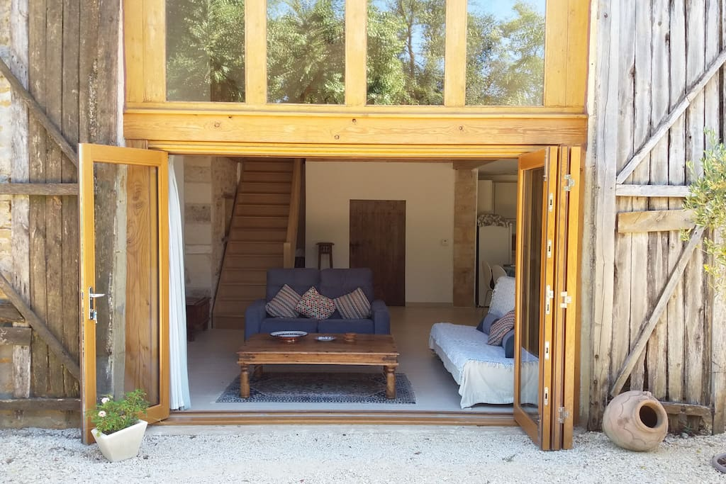 The middle doors are bifold
