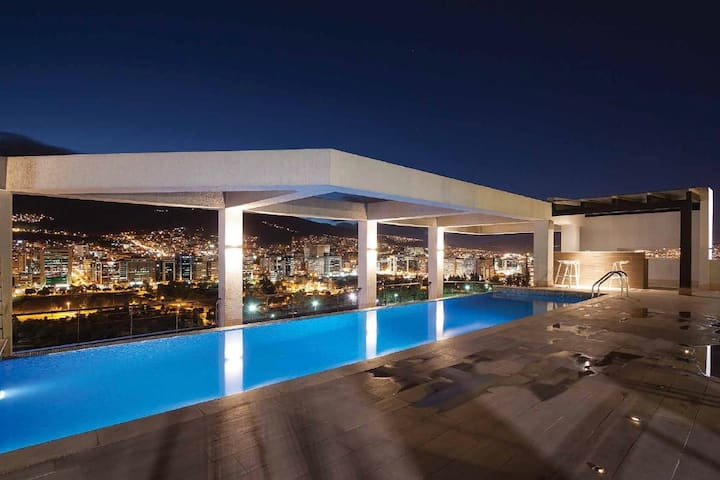 Luxury Suite in Downtown Quito 2P  -Pool-Gym-Wifi