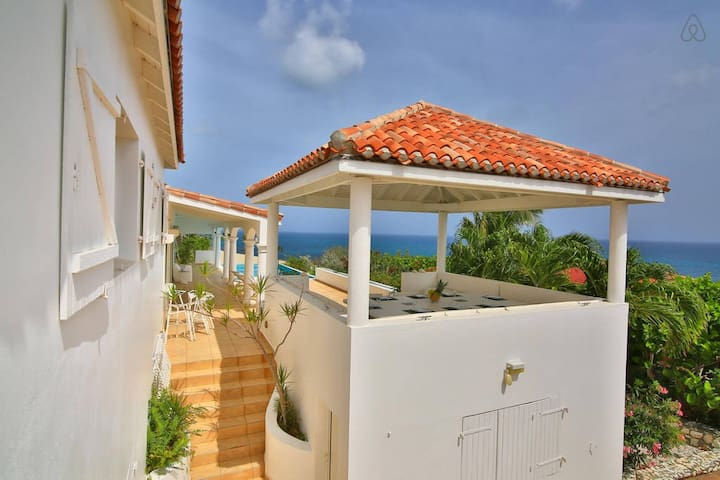 SUMMER HILL Stunning 5 bedroom villa with 180° ocean view ! - Cole Bay - House