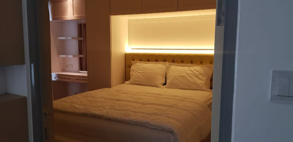 Room no 2. With Queen Bed room