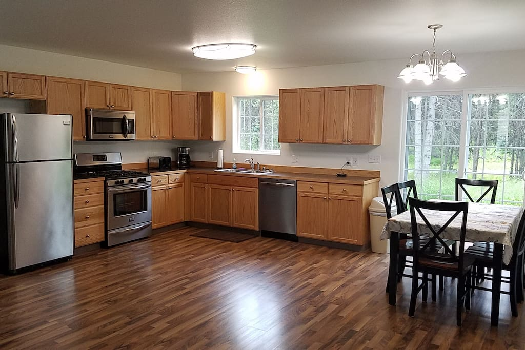 Full Kitchen w/Stainless Steel Appliances, Back Porch, Open Floor Plan