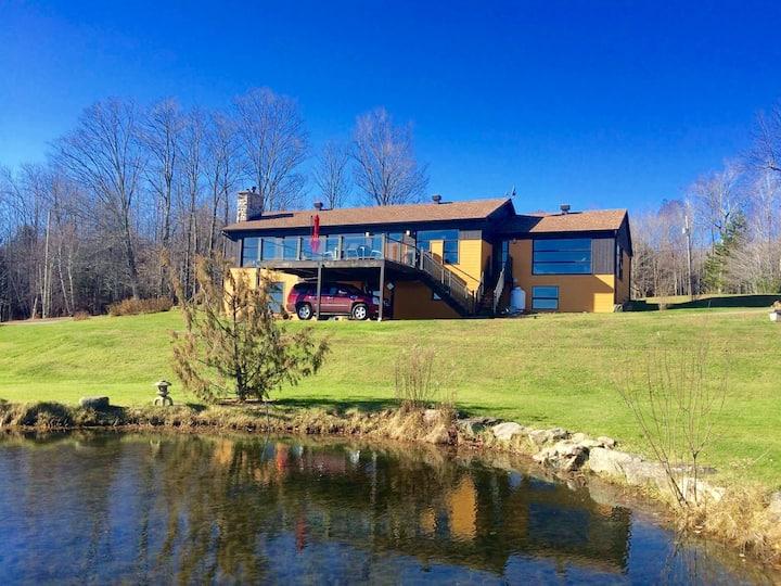 Spacious & bright cottage, pool & sauna, nature