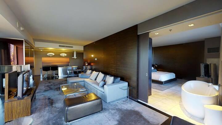 """Palms Place: """"Corner Suite"""" 2 Balconies STRIP VIEW"""