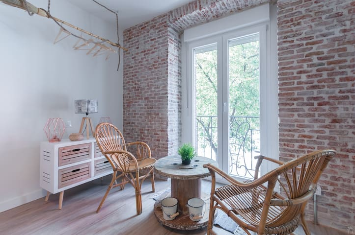 **Studio Centre-Live-In Atocha-WiFi,A/C **